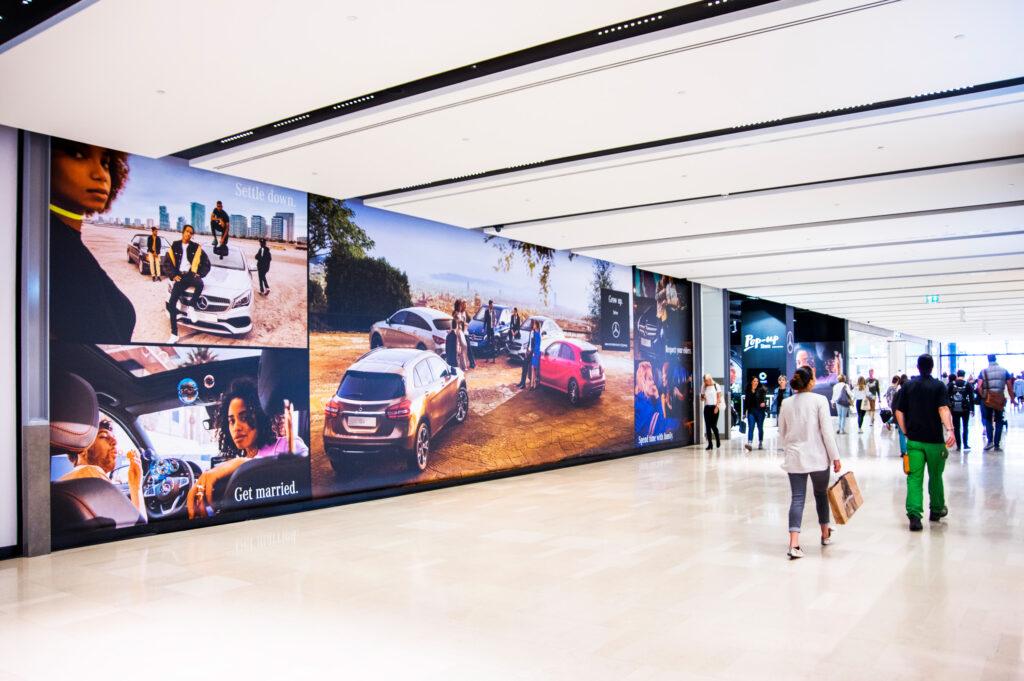 Pop up store Mercedes